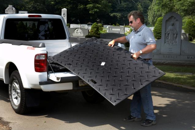 Easy to use access mat for job sites.